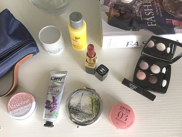 What's In My Make Up Bag?